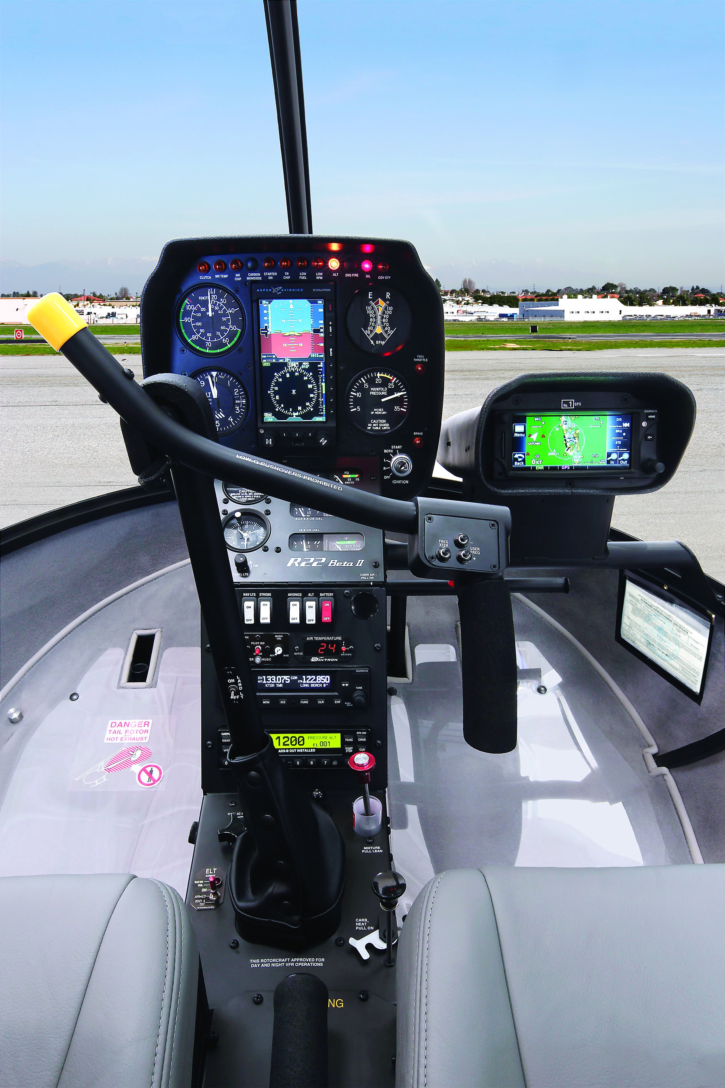 R22 optional avionics cmyk image